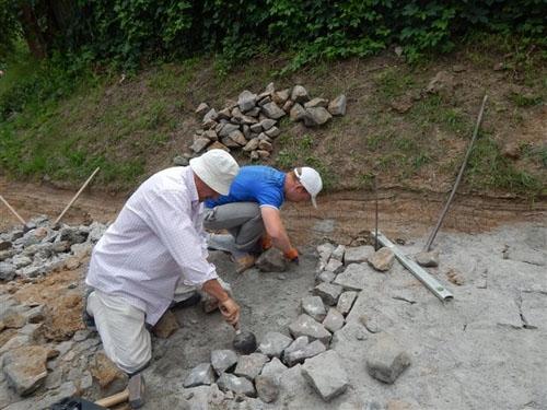 Підприємці ремонтують дороги в Умані