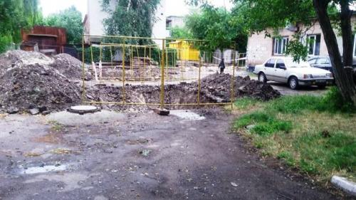 Через черкаських комунальників будинок заблоковано вже другий тиждень