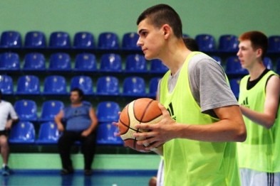 19-річного черкаського баскетболіста вдруге викликали до зібрної