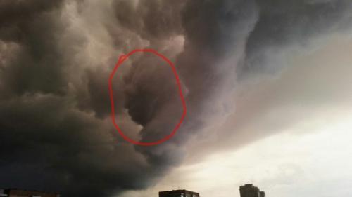 Черкащани побачили у грозових хмарах Януковича і Путіна (ФОТО)