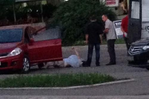 На Митниці у машині знайшли тіло мертвого чоловіка (ФОТО)