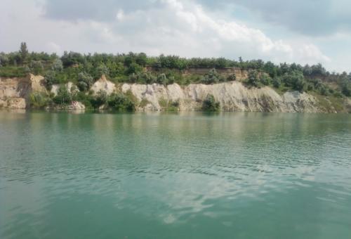 Колишній кратер вулкану тепер найулюбленіше місце для купання смілян