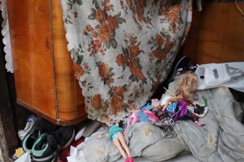 Черкаський безхатько місяці жив на вулиці із 11-річною закоханою дівчиною