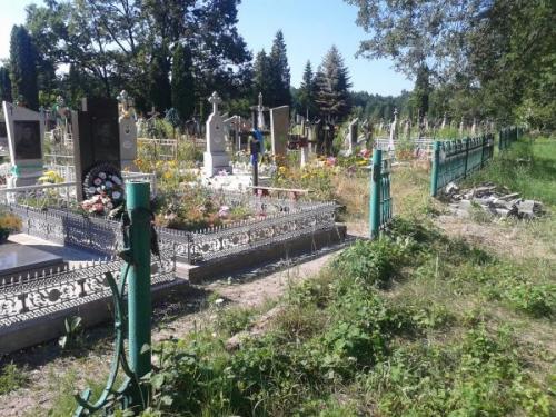 На Черкащині за один раз завалили більше 20 пам'ятників (ВІДЕО)