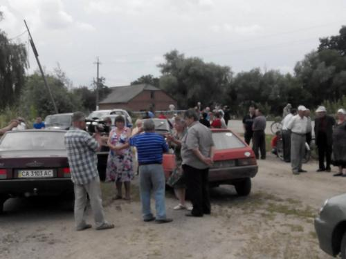 На Черкащині люди воюють за ставок (ВІДЕО)