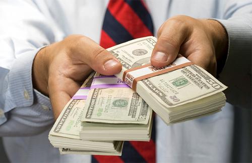Черкащани повстали кредитних махінаторів (ВІДЕО)