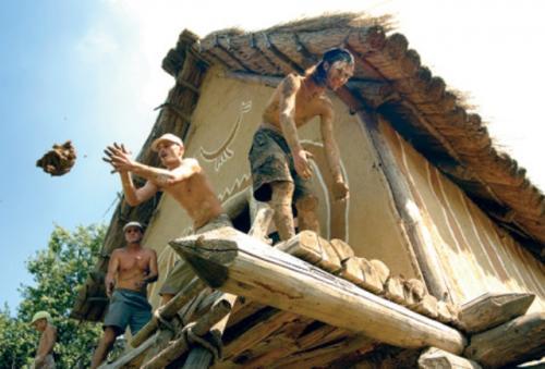Українців кличуть місити глину на Черкащині