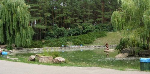 Черкащани рятуються від спеки у парку (ВІДЕО)
