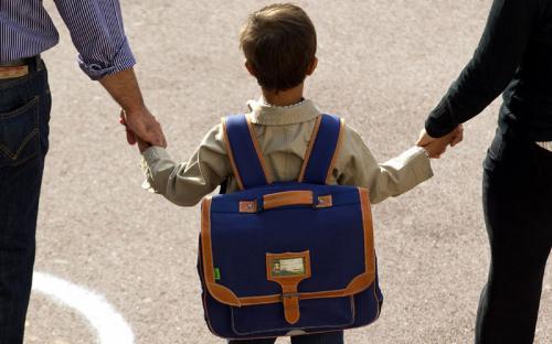 Зібрати першокласника до школи не по кишені черкащанам