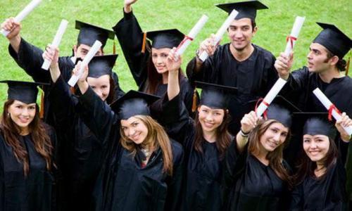 Черкаські студенти замість диплома отримали папірець (ВІДЕО)