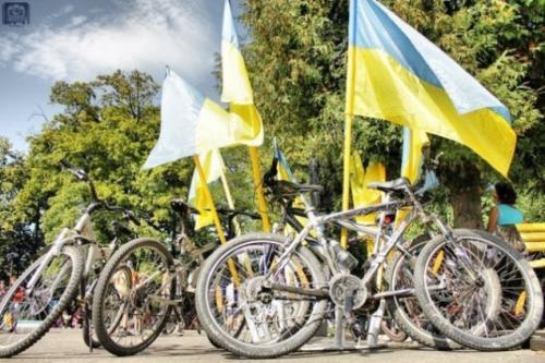 У Черкасах дві тисячі роверів створять Прапор України