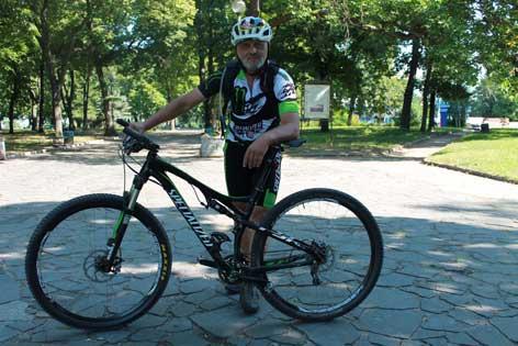 56-річний черкащанин на велосипеді дасть фору багатьом