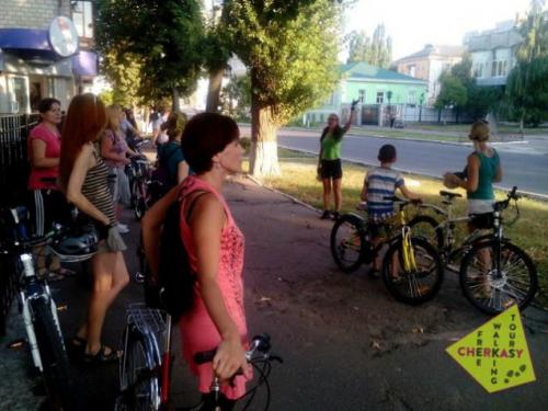 Черкасами гуляють велосипедні та іншомовні екскурсії