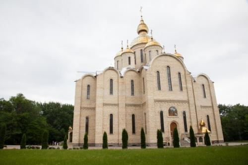 Кафе спричинило конфлікт між чиновником і церквою (ВІДЕО)