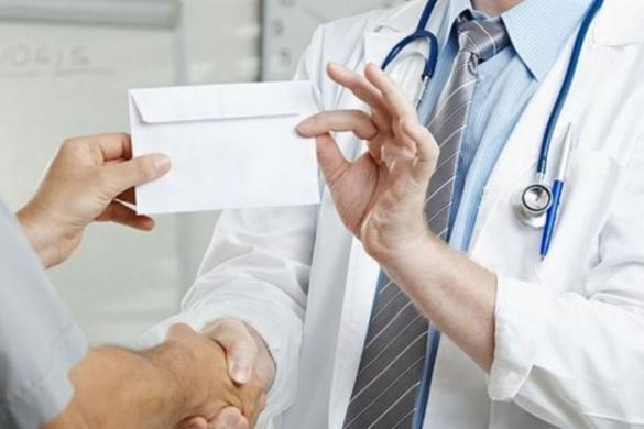 У Черкасах затримали лікаря, який допомагав чоловікам ухилятися від мобілізації