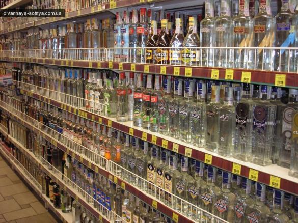 Алкоголь у обласному центрі хочуть продавати на годину довше