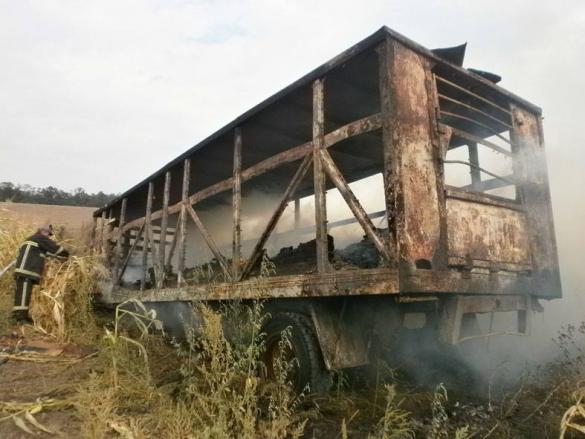 За добу черкаські рятувальники погасили три великі пожежі