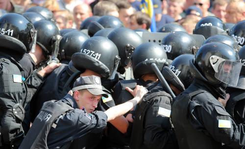 Черкаських міліціонерів з осколковими пораненнями виходжують у лікарні