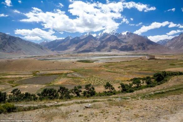 Черкаські альпіністи на велосипеді об'їздять Західний Тибет
