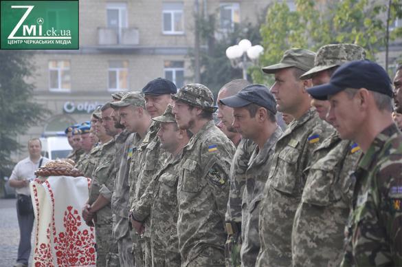 У Черкасах зустріли героїчних захисників Донецького аеропорту (ФОТО)