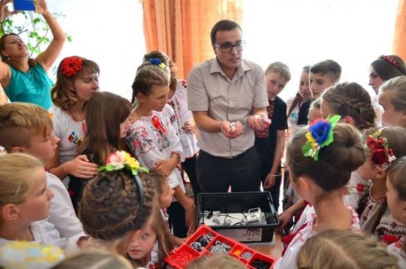 У школах Черкащини дітей вчать створювати роботів