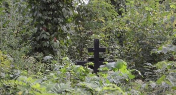 Черкащани бояться кладовища у центрі міста (ВІДЕО)
