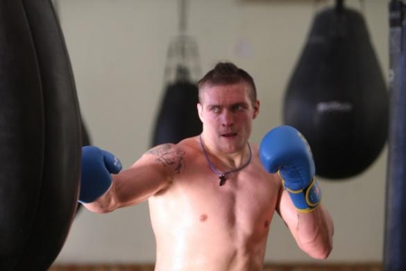 Олександр Усик на Черкащині відкрив боксерський зал