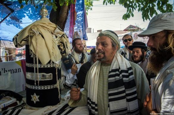 Святкування іудейського Нового року в Умані очима російського блогера (ФОТО)