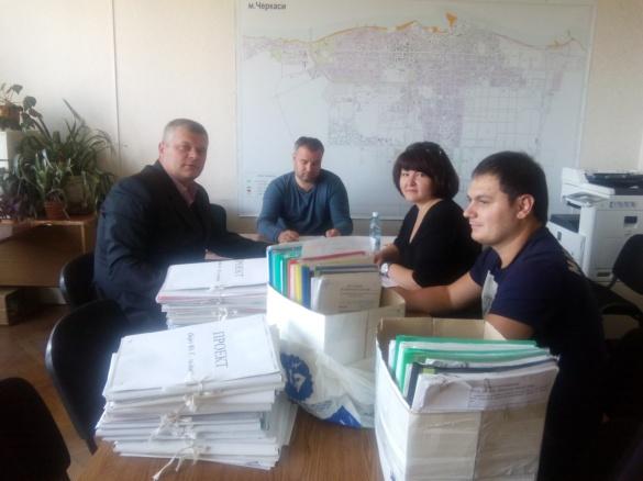 Депутати Черкаської міськради присоромили колег із земельної комісії (ФОТО)