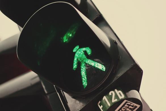 У Черкасах водій мало не збив дитячий візочок