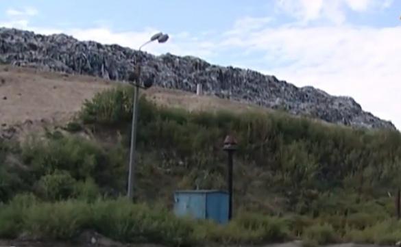 На Черкащині сміттєзвалище поглинає нові території (ВІДЕО)