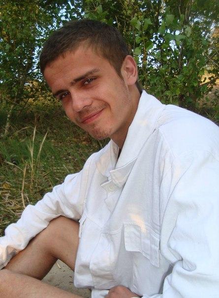 Біля літака у Черкасах збили хлопця, шукають свідків