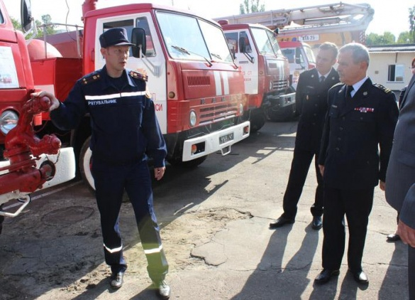 Черкаські рятувальники здивували польських колег гранатою (відео)