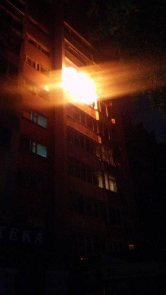 У Черкасах вночі горіла квартира (фотофакт)