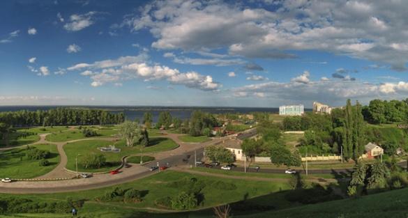 Ручні білки і Дніпро: що найбільше вражає в Черкасах туристів з США та Китаю
