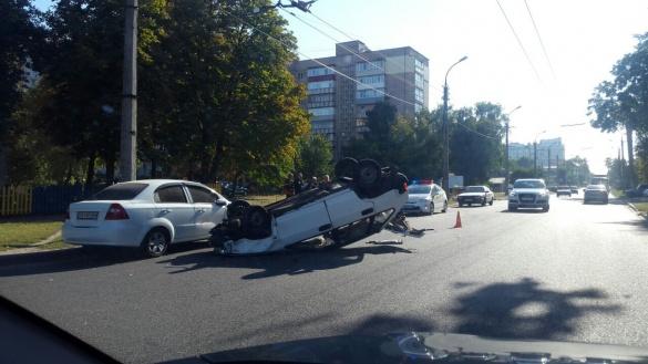 ДТП у Черкасах: авто опинилося на даху, а водій – у лікарні