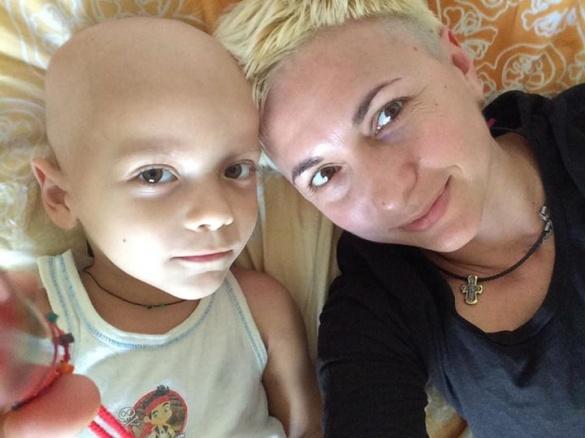 Син черкаської художниці чекає на новий етап лікування