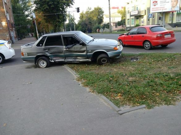 У мережі з'явилися фото нової ДТП на Котовського у Черкасах