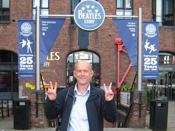 Вечір Леннона у Черкасах проведе посол ліверпулського музею