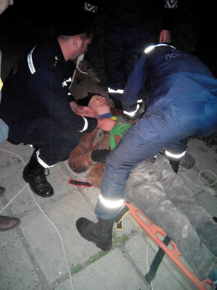 На Черкащині чоловіка витягли з 10-метрової шахти після падіння