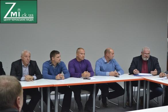 Розбір польотів: у Черкасах намагаються не допустити зрив виборів