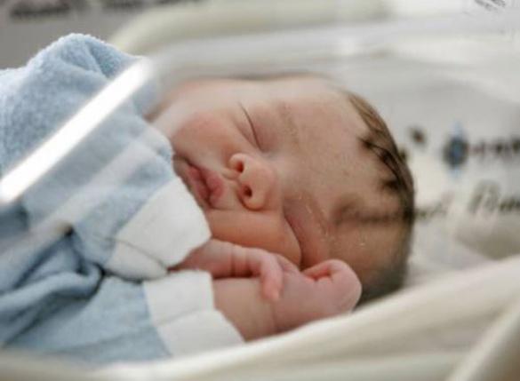 У Черкасах свідоцтво про народження дитини тепер отримують в пологових будинках