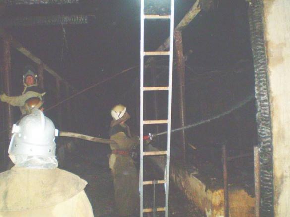 На Черкащині загасили масштабну пожежу на фермі