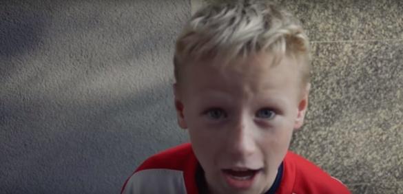 Черкаський журналіст отримав м'ячем по голові від хлопчини (ВІДЕО)