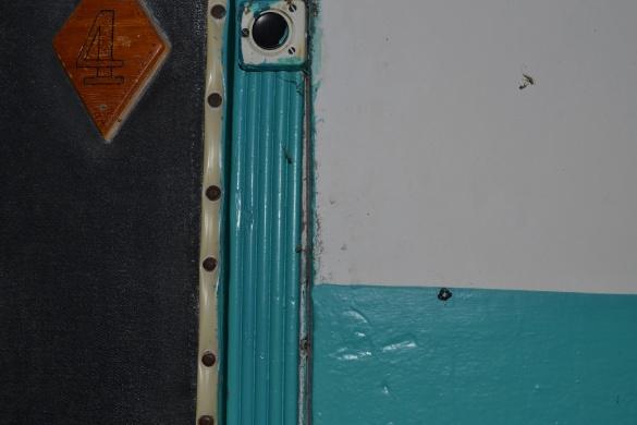У Черкасах невідомі помаркували квартири чорними трикутниками (ФОТО)