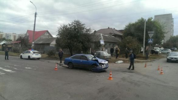 Машина після ДТП в Черкасах залишилася без бампера (ФОТО)
