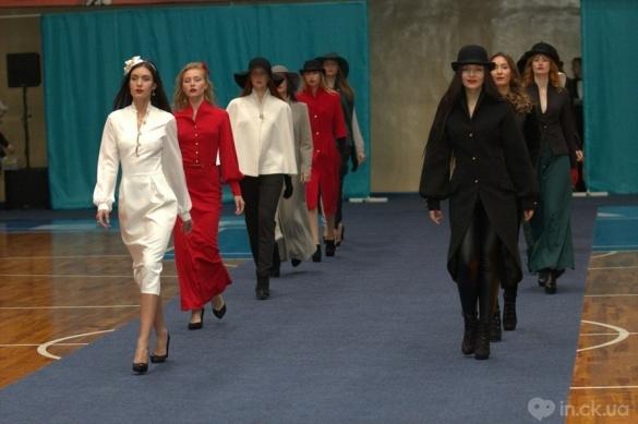 У Черкасах місцеві дизайнери влаштували модний показ