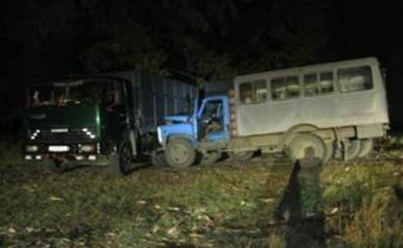 Через зіткнення вантажівки й автобуса постраждали 5 черкащан