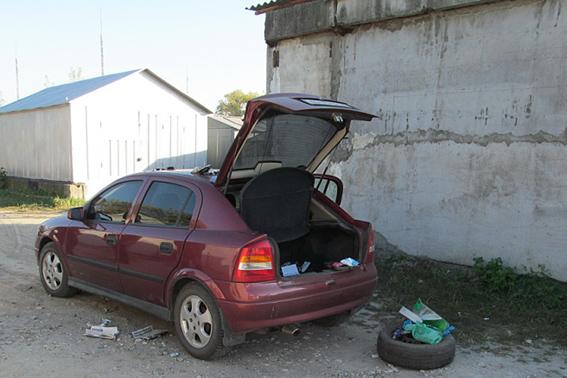 На Черкащині наркозбувач намагався втекти від оперативників (ФОТО)