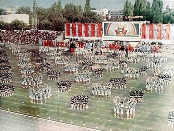 Яким був Центральний стадіон Черкас 29 років тому (ФОТО)